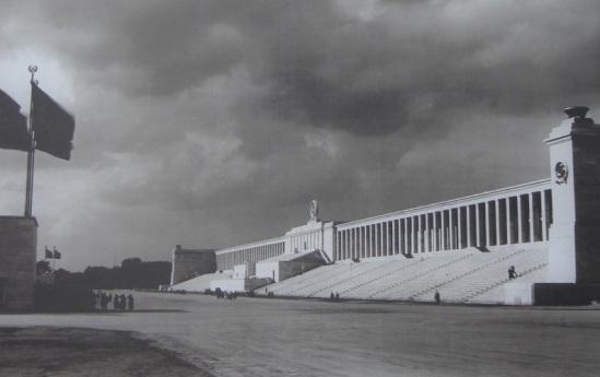 Vue-du-Zeppelinfeld-en-1936.1